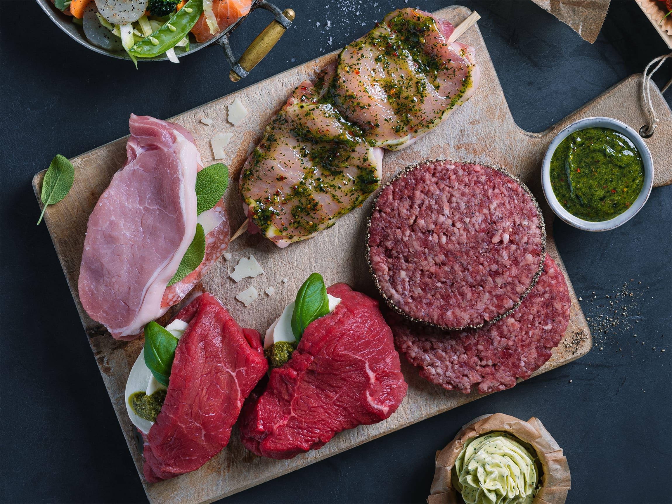 I kjøttdisken finner du mange spennende spesialiteter og sesongvarer