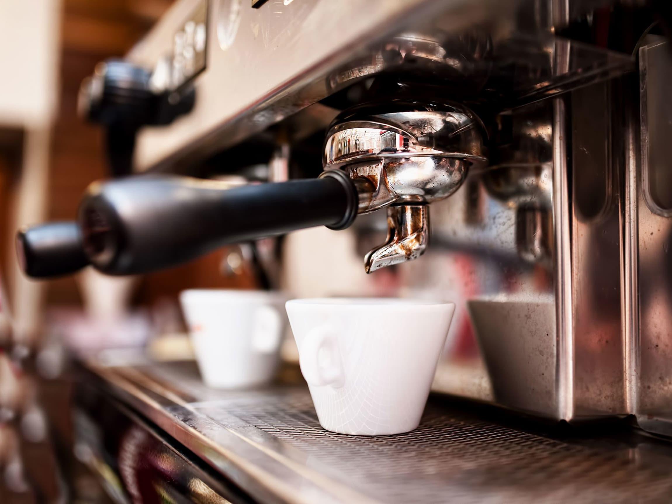 Kaffe ment for espresso brennes på en spesiell måte slik at kaffen får en rundere og fyldigere smak