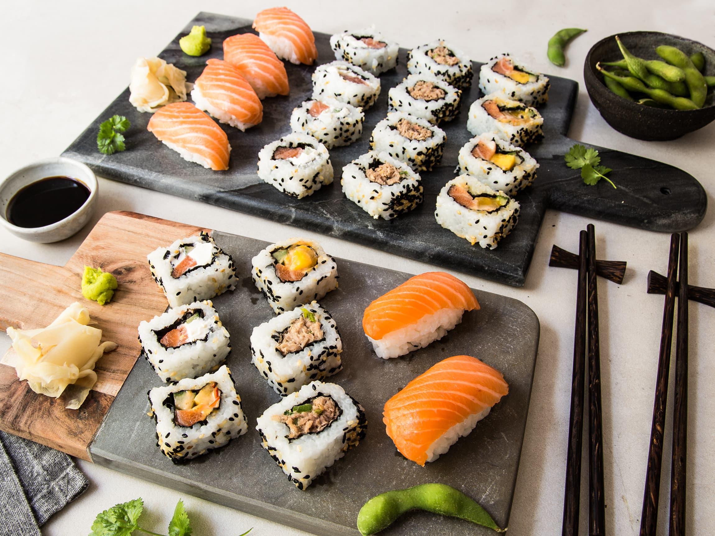 Man finner ofte sine egne favorittbiter og kombinasjoner. Nigiri, maki og uramaki finnes i utallige varianter!