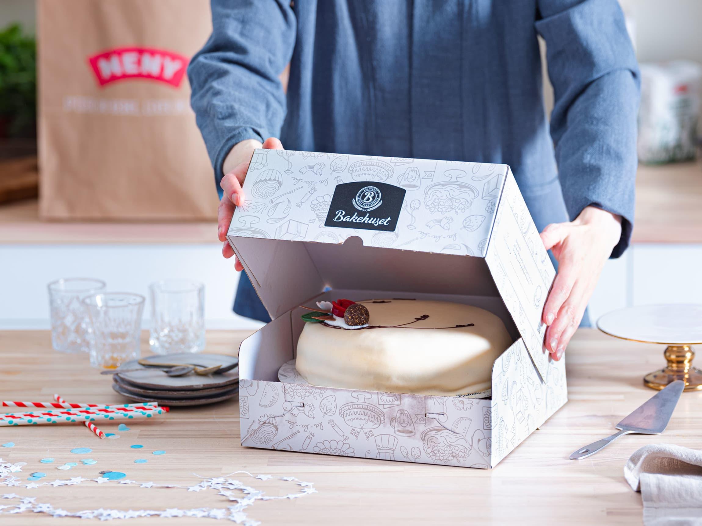 Velg mellom et stort uvalg av Kakemakerens mest populære kaker - levert rett hjem på døren.
