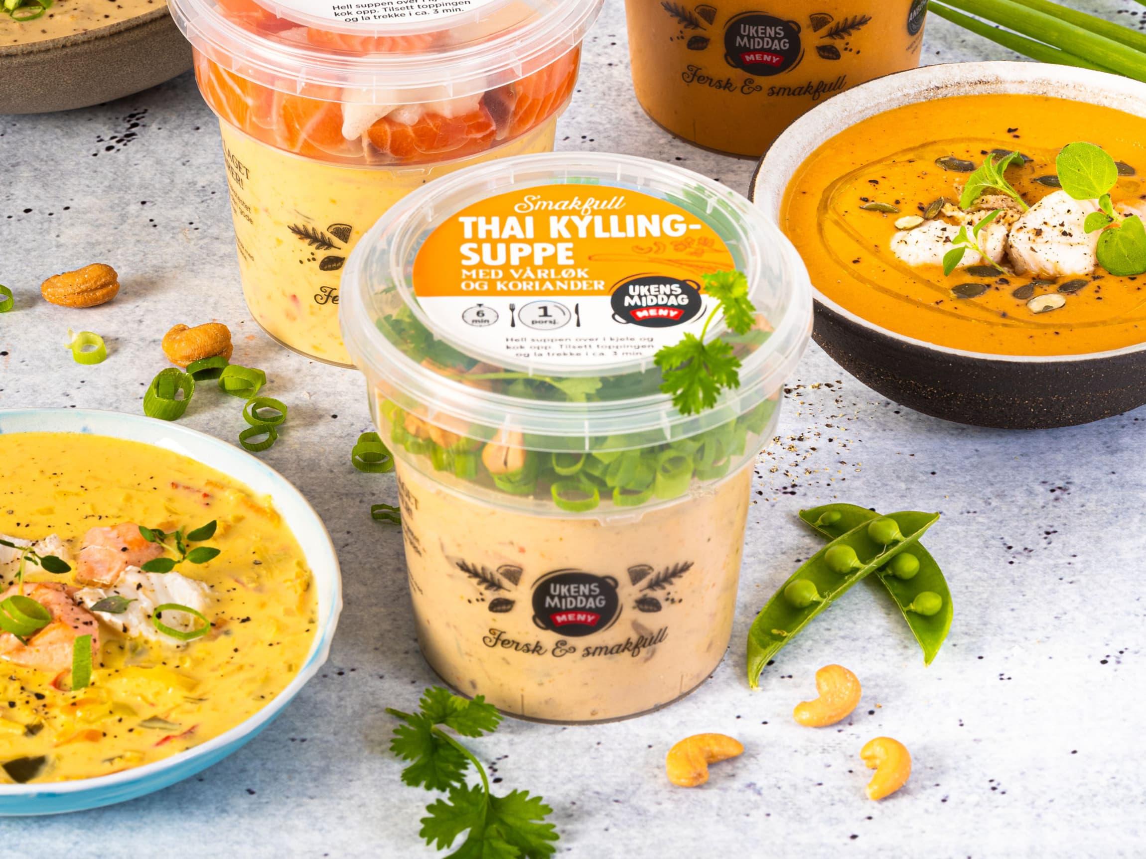 Med fersk topping og gode råvarer i suppa, er disse suppene noe for seg selv!