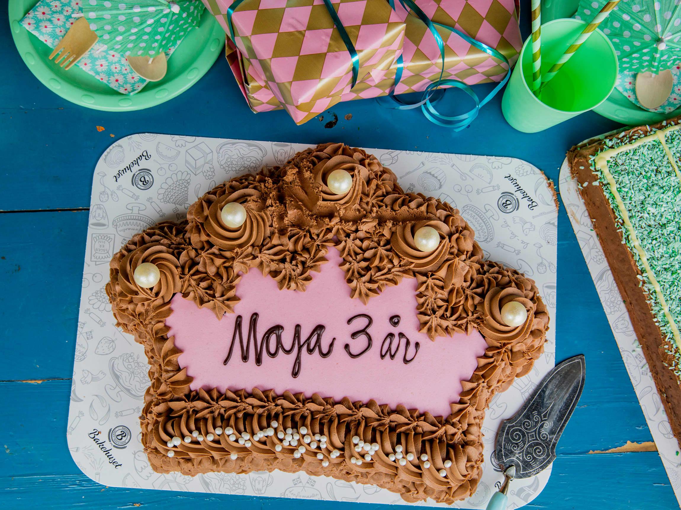 Ikke tid til å bake? Du kan bestille spesialsydd kake til barnebursdagen eller andre anledninger på nett og hente i din lokale MENY-butikk!