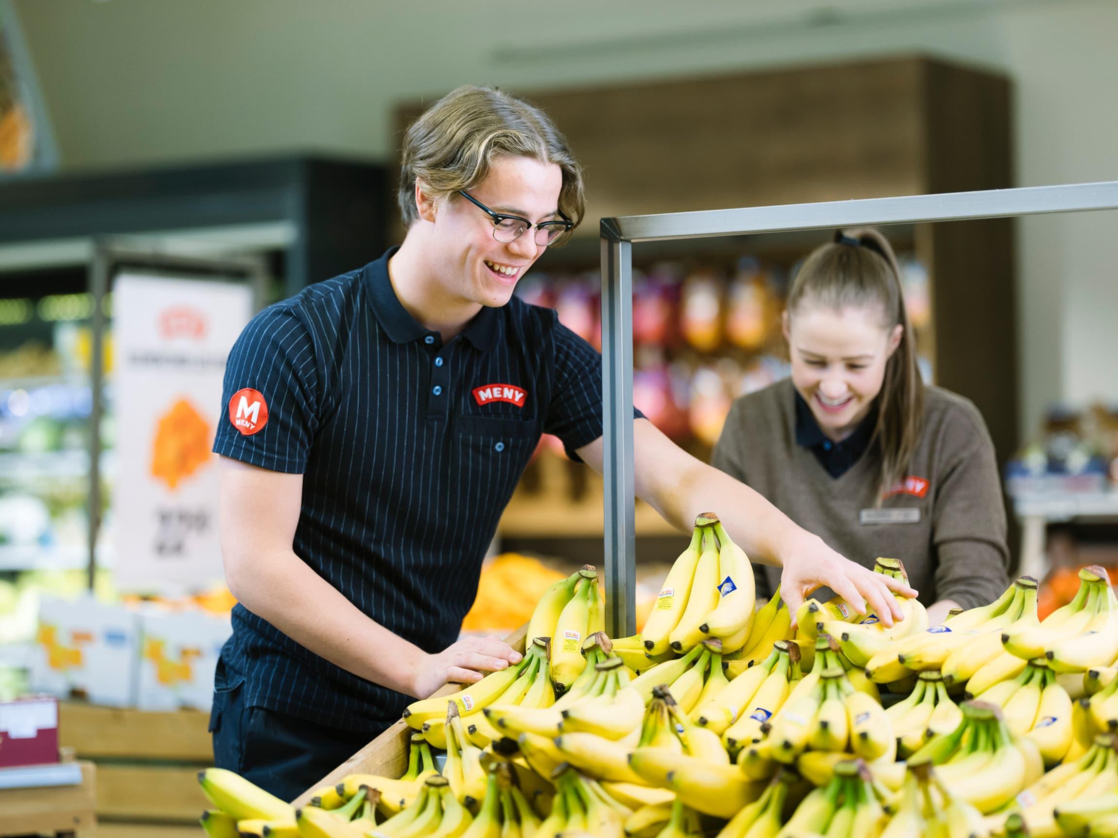 MENYs matarbeidere jobber hver eneste dag for å tilby kundene de råeste frukt-og grøntavdelingene.
