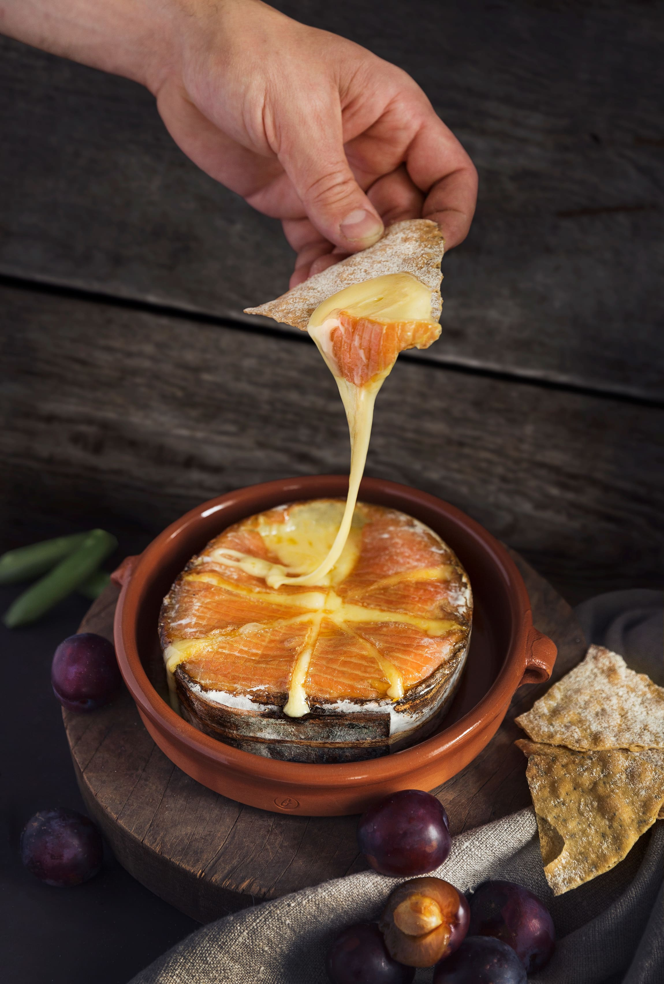 Granstubben er en Rødkittost som skal varmes i stekeovn. Osten er surret med granbark rundt kanten, og dette gir osten en særegen smak ved oppvarming.
