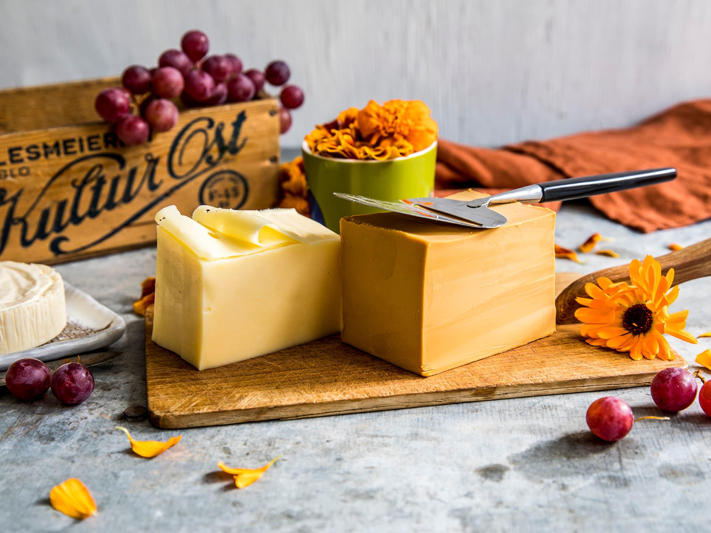 På 70-tallet var brunost og gulost de vanligste ostene, men Gammelost, ridderost, taffelost, nøkkelost og tilsiter var også på norske brødskiver.