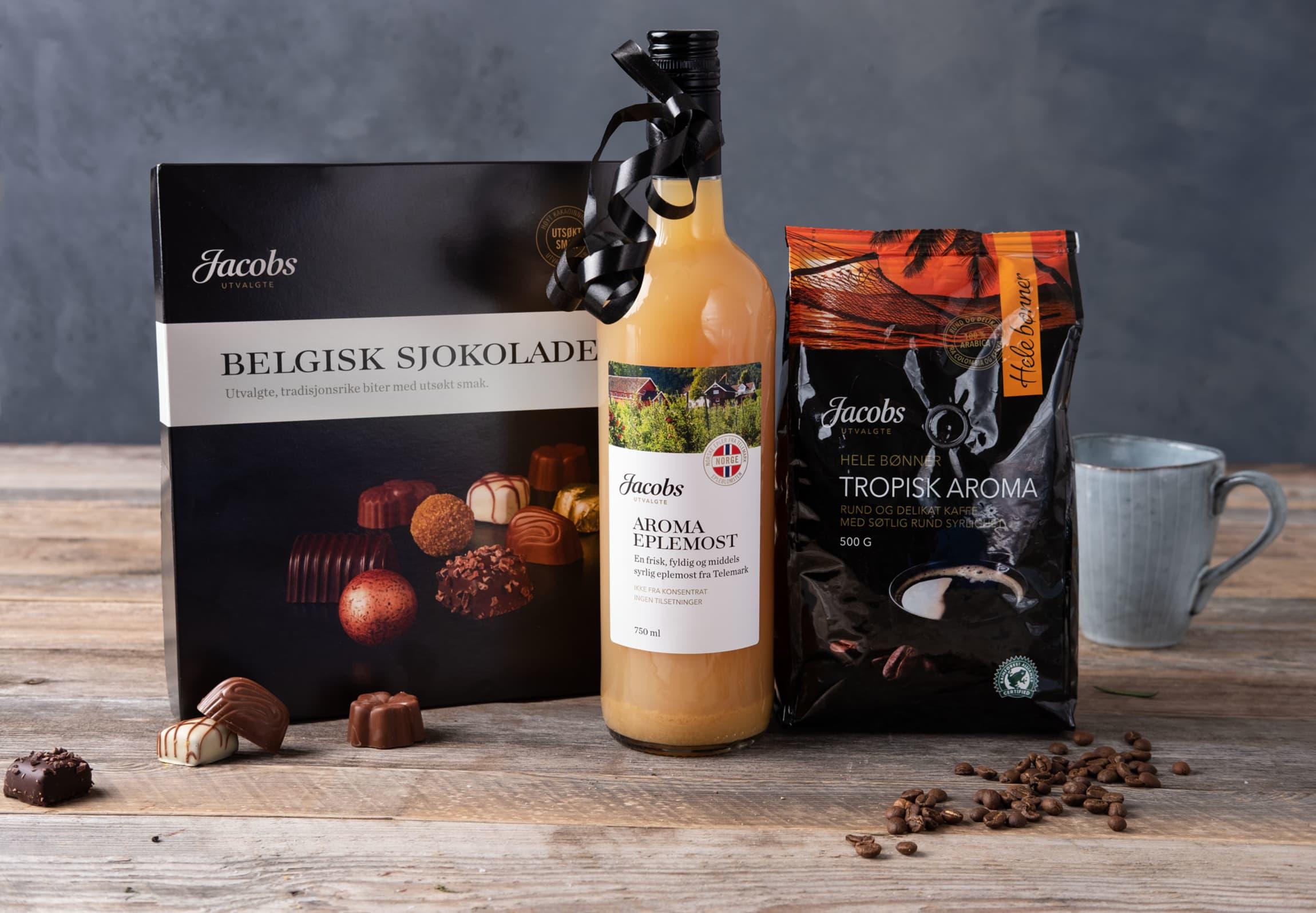 Gled noen med disse lekre matgavene: Belgisk sjokolade, Aroma eplemost og Tropisk aroma kaffe fra Jacobs Utvalgte.