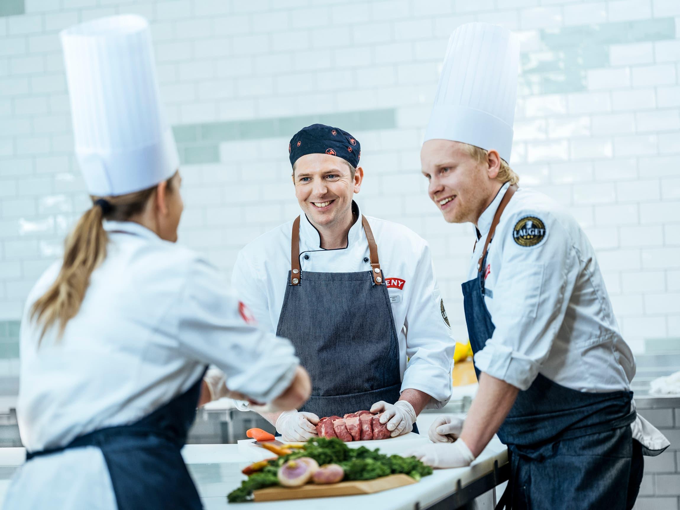 Medlemmene i Lauget er MENY-ansatte som har et glødende engasjement for sitt fag.