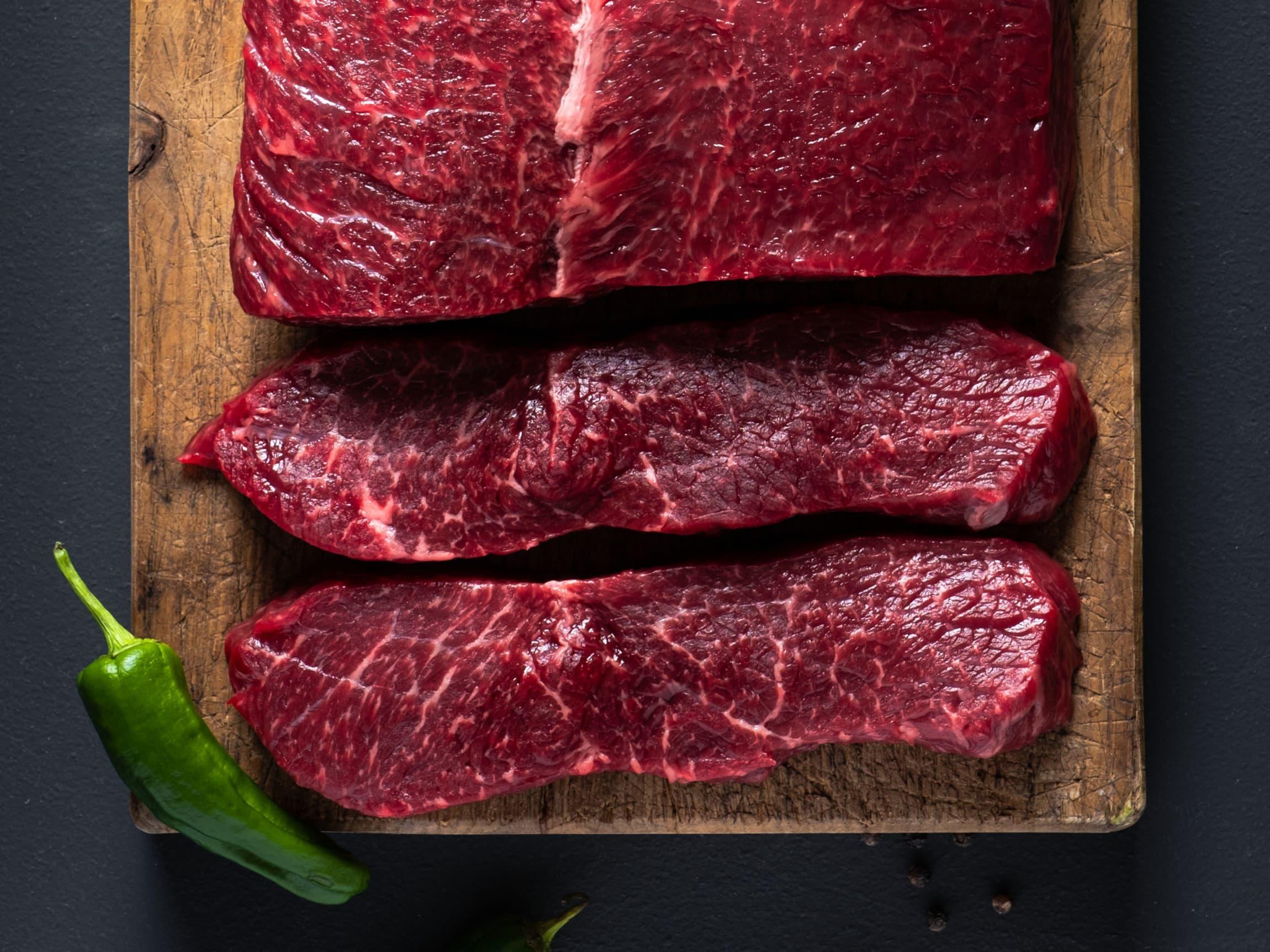 God marmorering er et kvalitetstegn. De hvite stripene i kjøttet er intramuskulært fett som smelter under tilbereding og gjør kjøttet saftig og smakfullt.