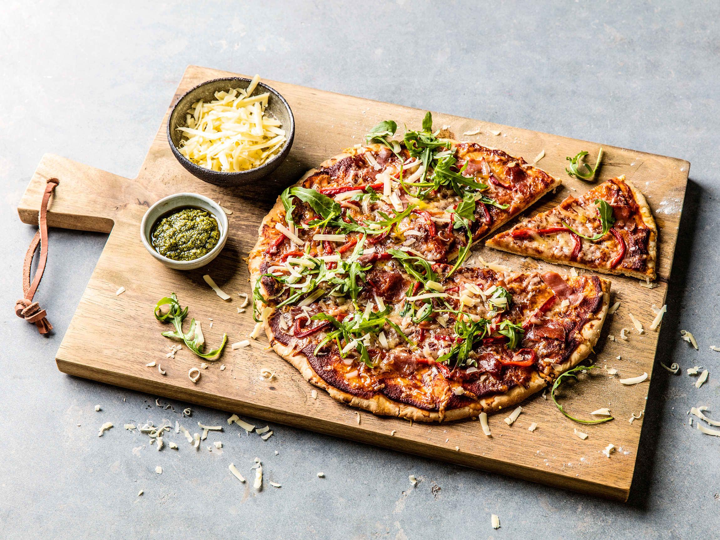 En italiensk pizza har ikke masse topping. Her må man besinne seg og velge noen få ingredienser.