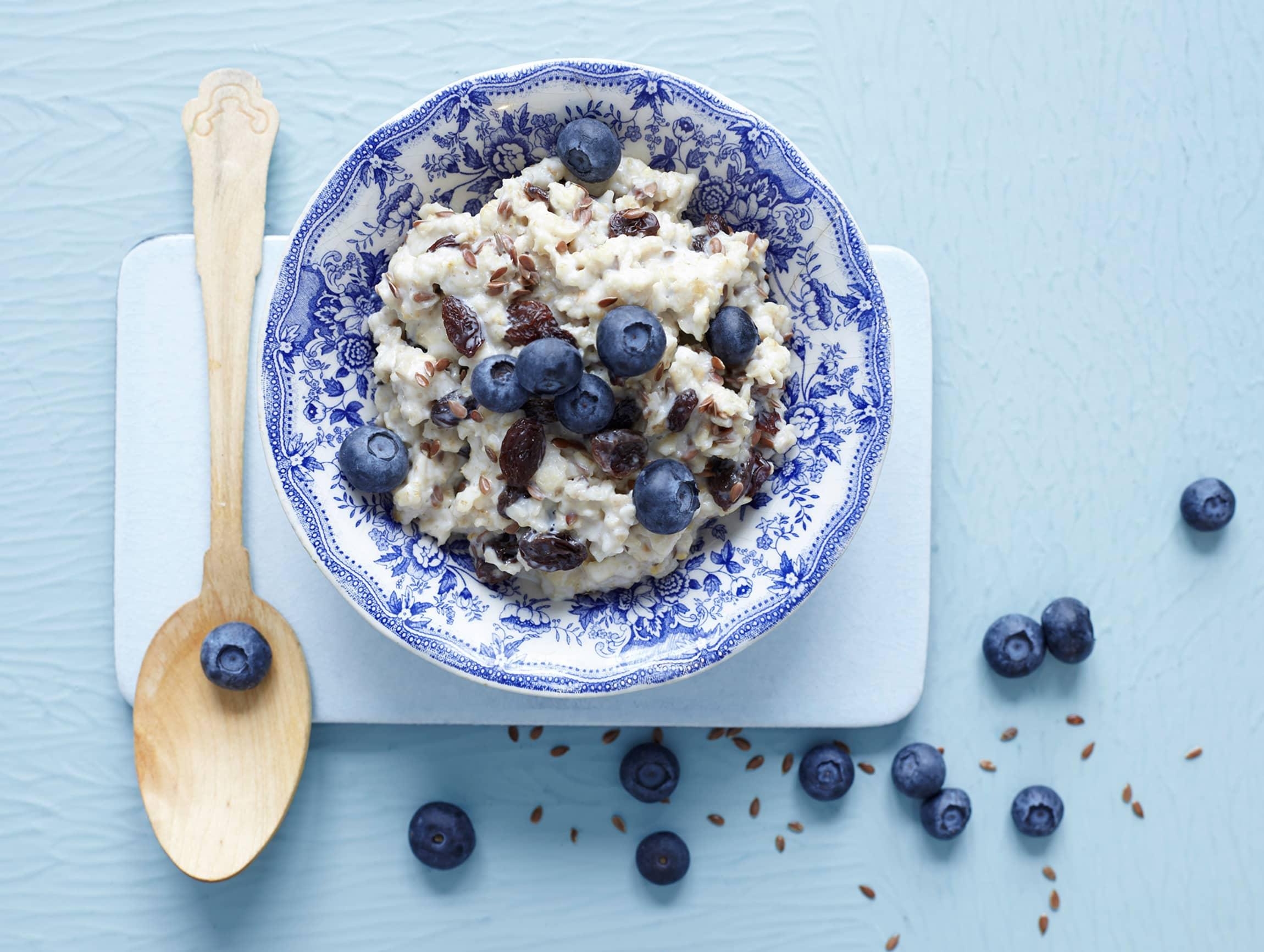 Blåbær som topping passer ypperlig til å gi frokosten og småretter det lille ekstra