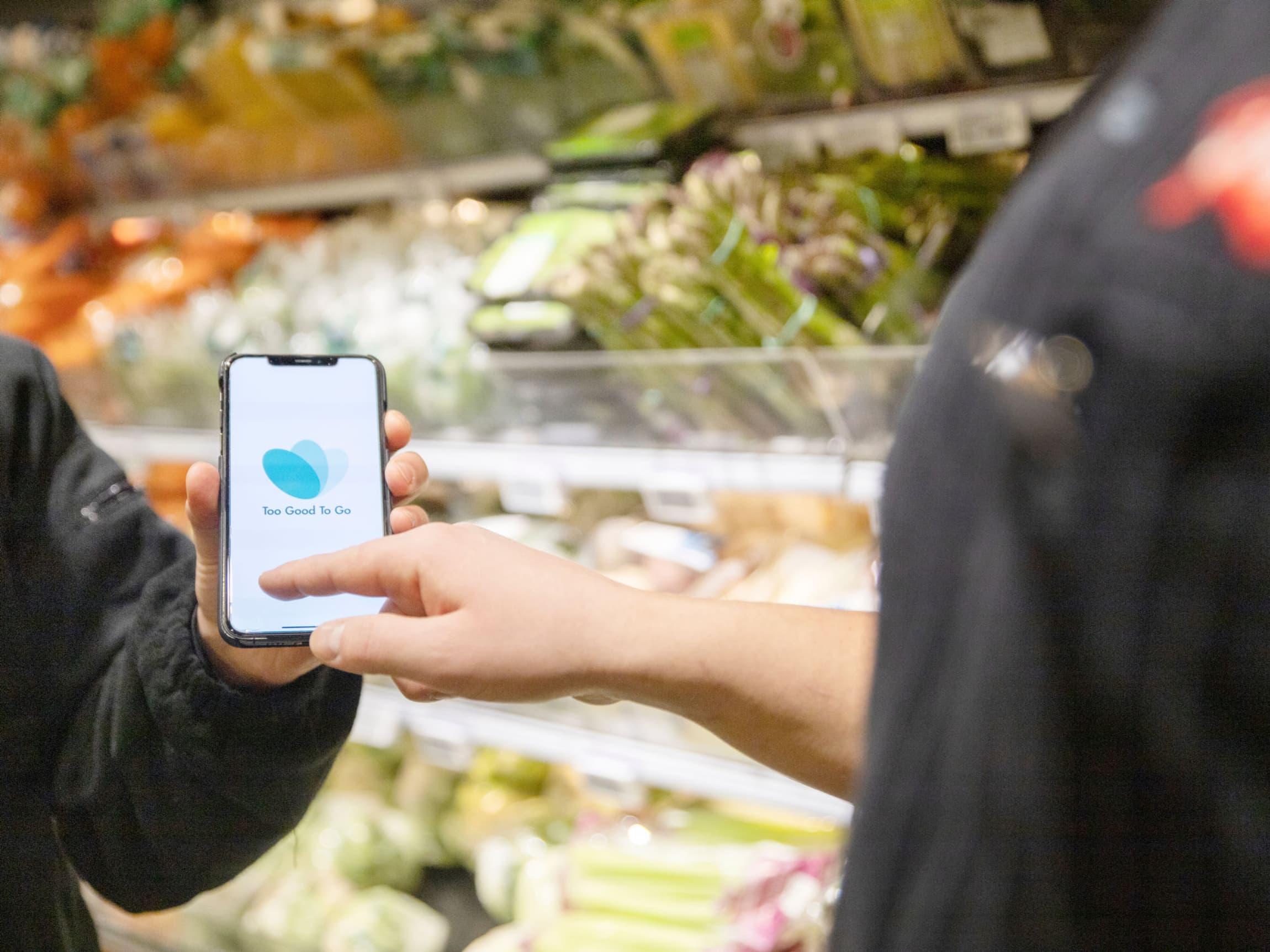 Kjøp en forundringspose i appen, og hent i butikken i angitt tidsrom.