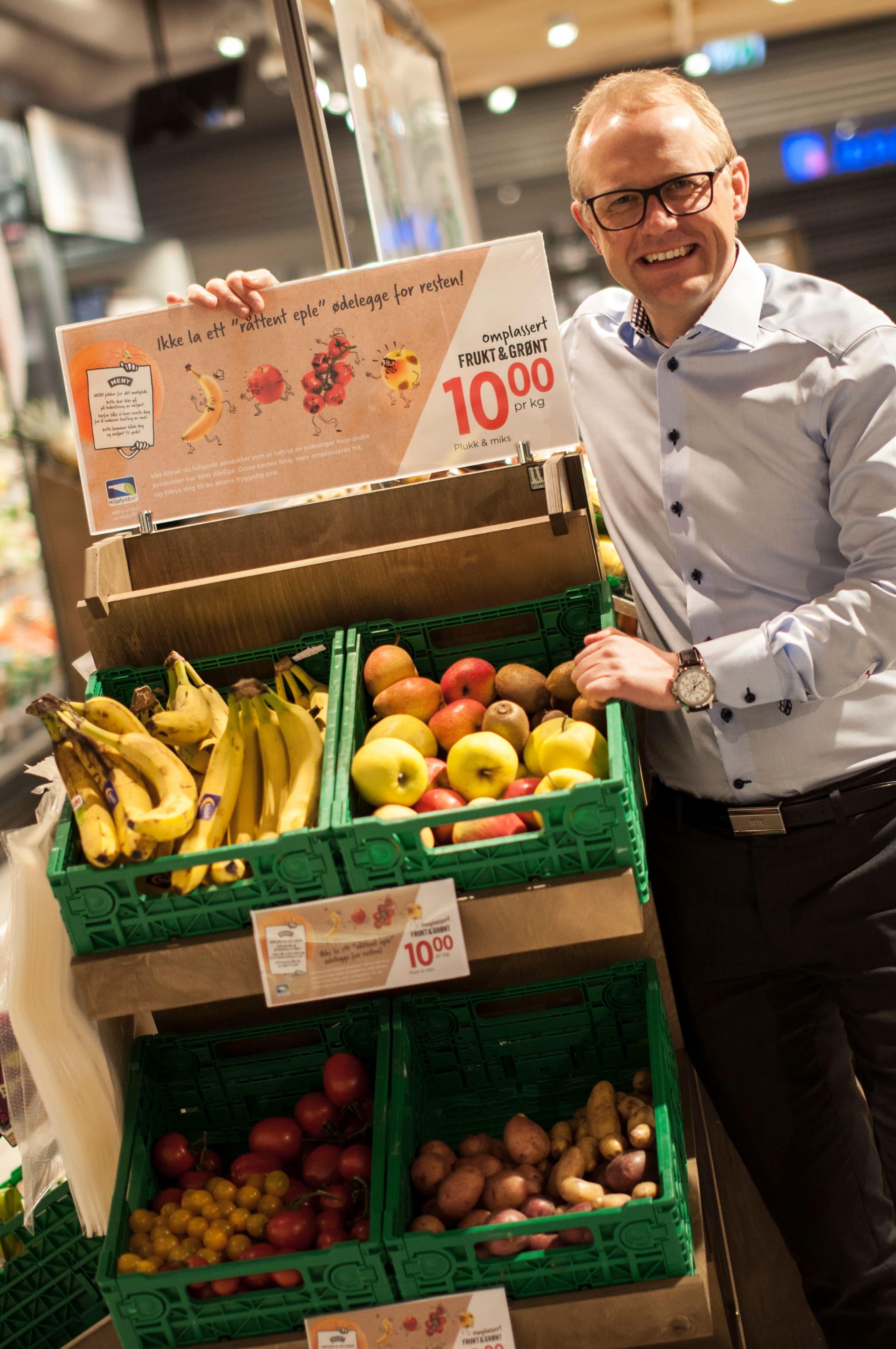 MENY vil «omplassere» frukt og grønt, selge det til lavere pris for å redusere kastingen
