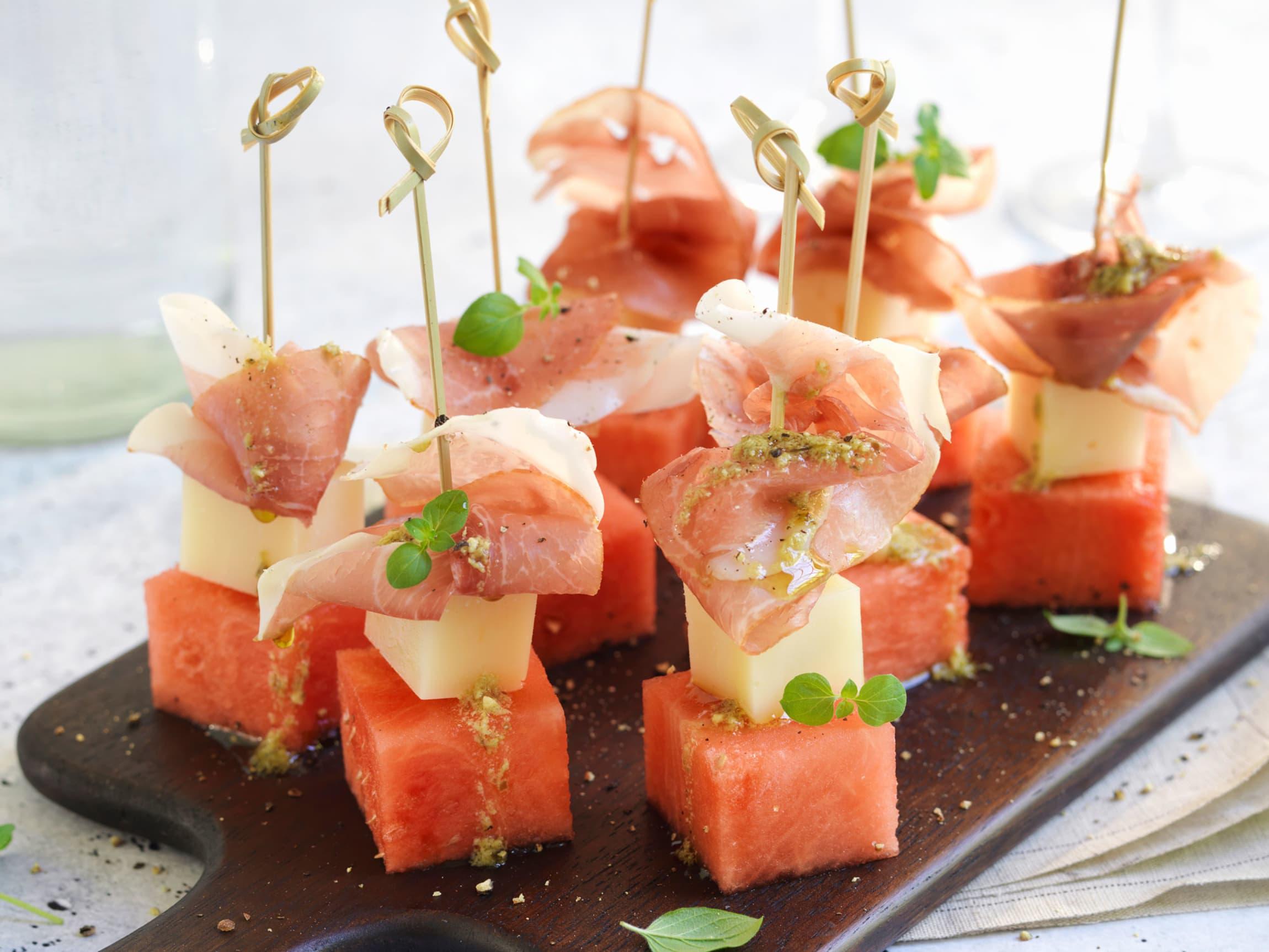 Manchego passer godt med melon og spekeskinke. Husk å temperere osten først for å få frem mer av de gode smakene!