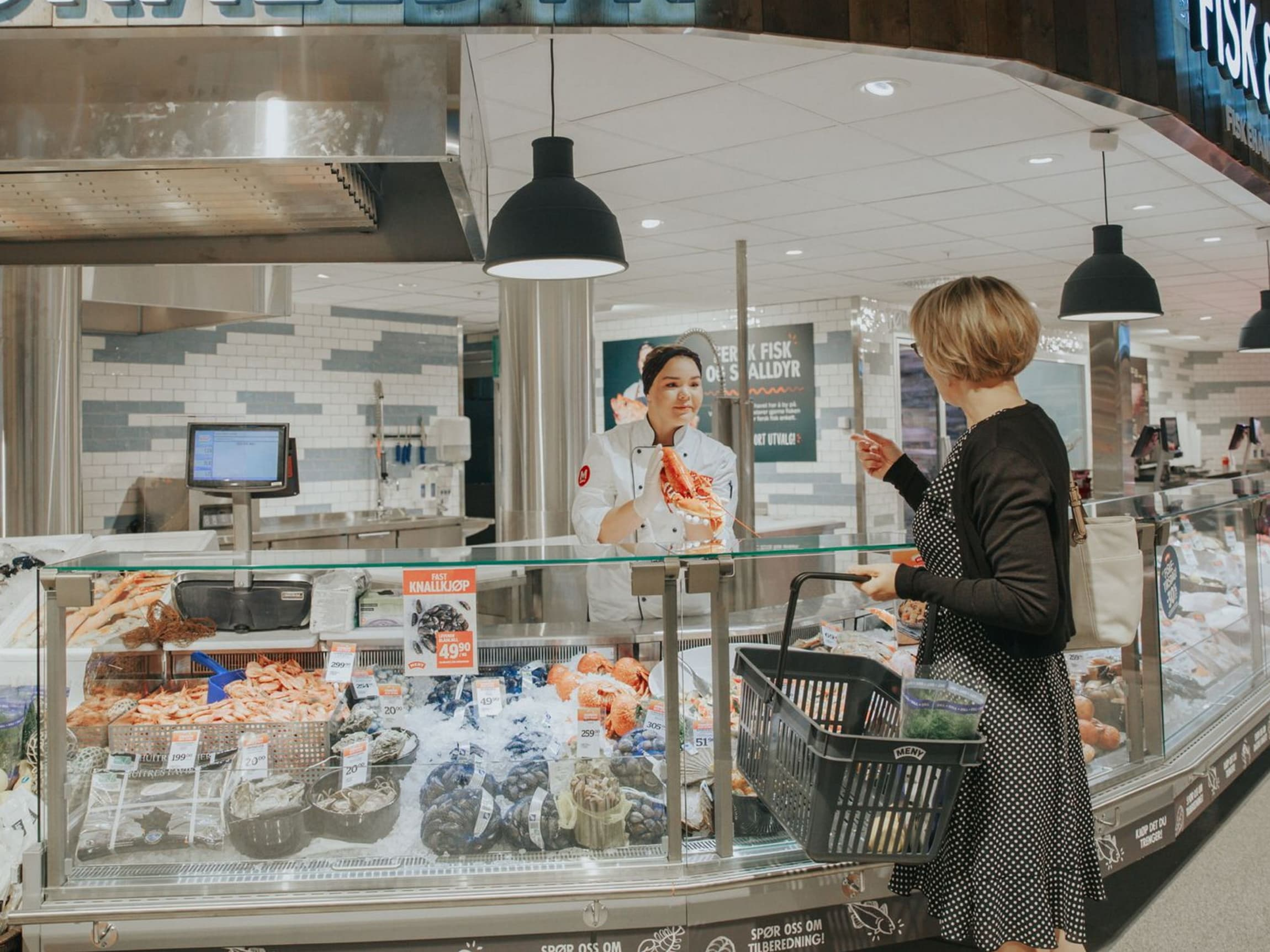 Nordmenn liker å handle i butikk - kanskje for å bli inspirert til spennende middager.