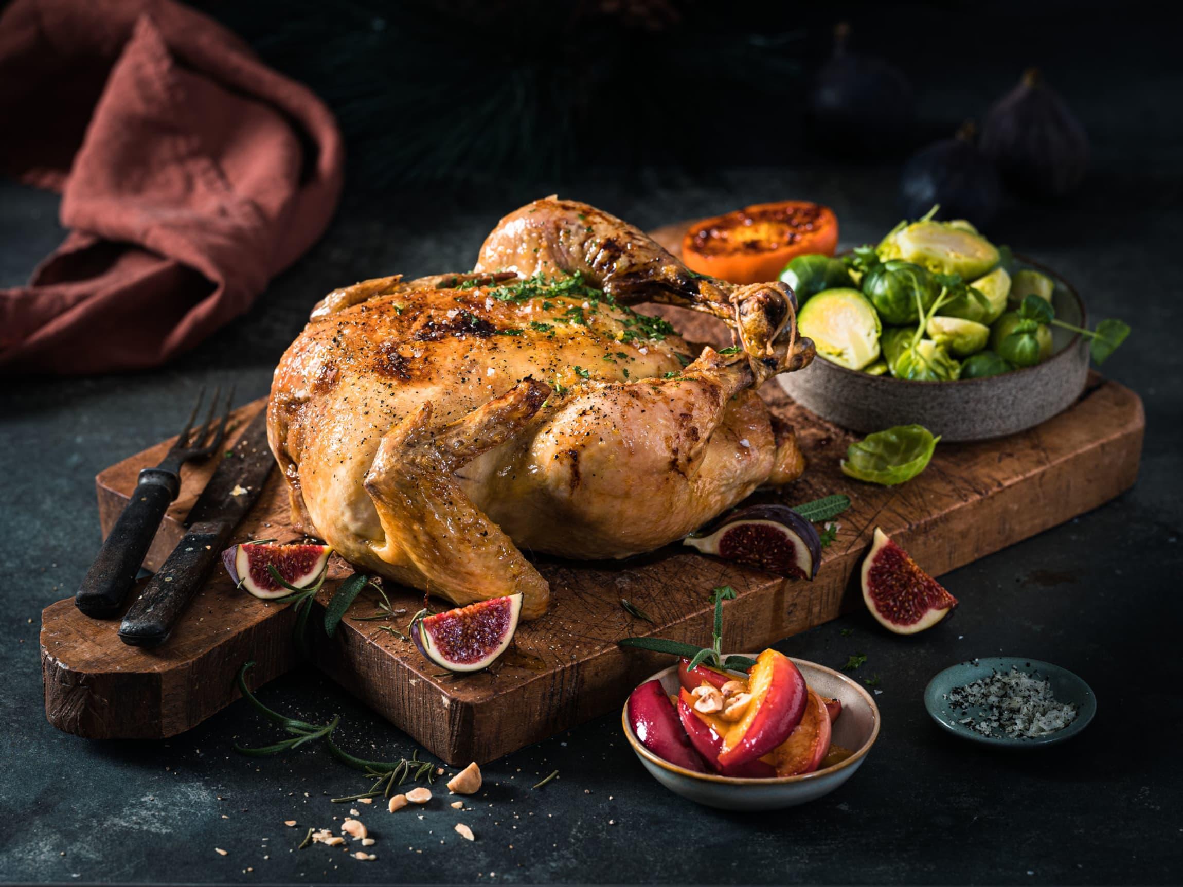 Kylling er et festmåltid! Fyll den med gode sitrusfrukter eller tradisjonell stuffing