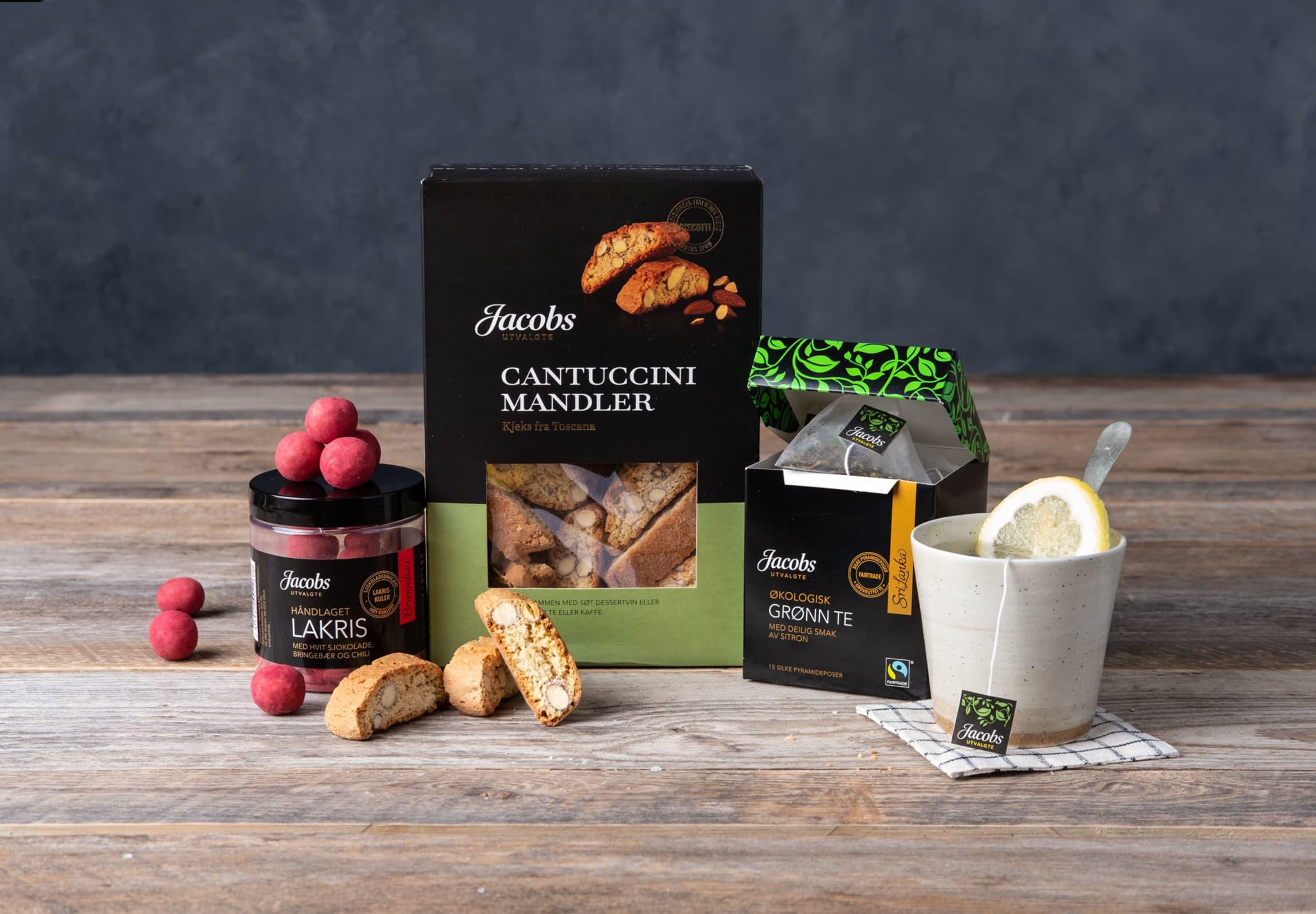 Gi bort en gave med lakriskuler, te og kjeks fra Toscana.