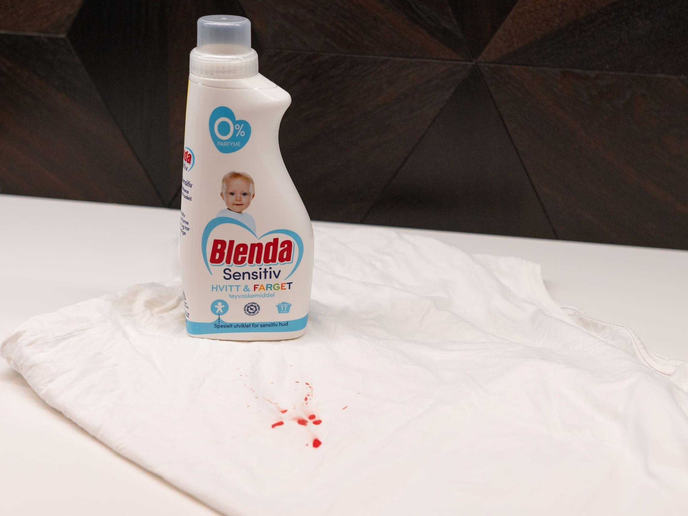 Prøv flytende Blenda Sensitiv når du skal fjerne blodflekker fra klær