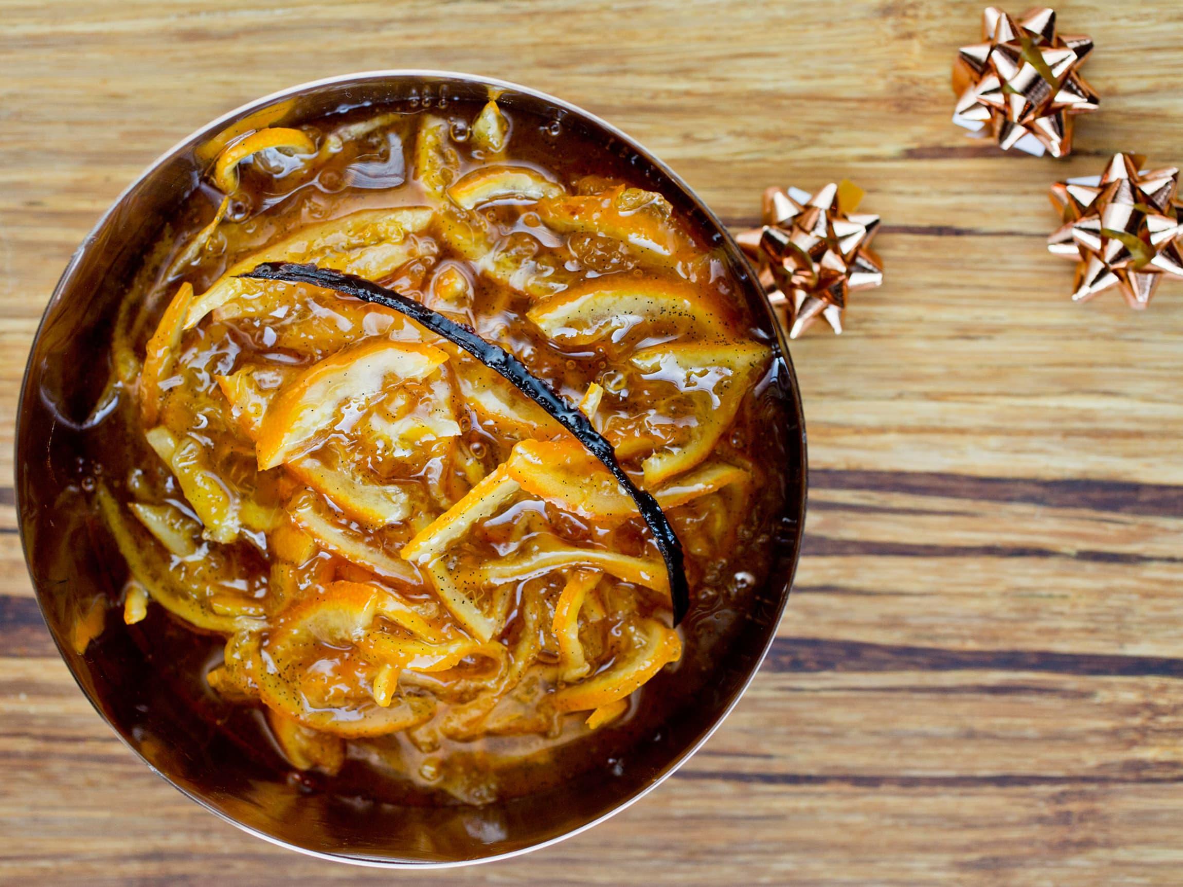 Marmelade av klementiner passer fantastisk godt på ostebordet som tilbehør til de kraftige ostene.