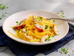 Kremet pasta med grillet kylling og hjemmelaget fløtesaus