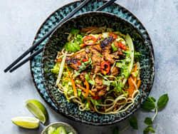 Vegetarisk wok med nudler