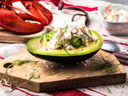 Avokado med hummersalat