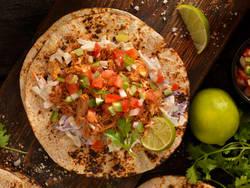 Taco med pulled pork og coleslaw