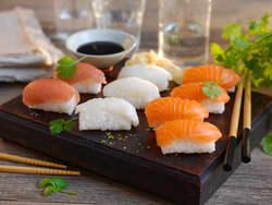 Hjemmelaget nigiri sushi
