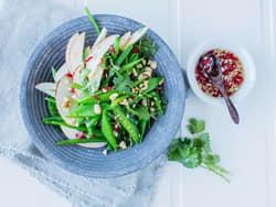 Aspargesbønner og sukkererter med Thai-dressing