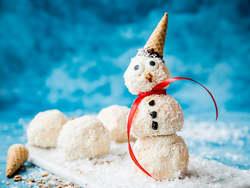 Iskrem-snømann med kokos