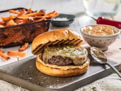 Rask cheeseburger med chipotlemajones