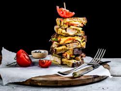 Ostesmørbrød med Jarlsberg® XO, avokado og kylling