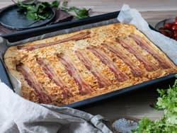 Ovnspannekake med bacon og ost