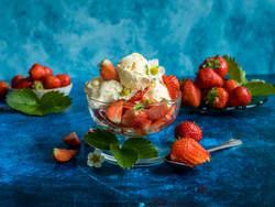 Iskrem og jordbær