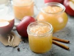 Hjemmelaget eplemos med kanel