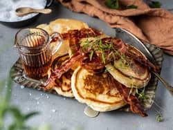 Amerikanske pannekaker med bacon