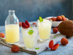 Limonade med sitron og litchi