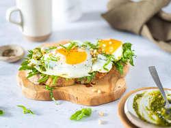 Egg i pesto