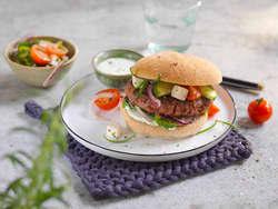 Lammeburger med gresk salat