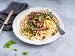 Kremet pasta med biff og sopp