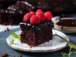 Klissete sjokoladekake i langpanne