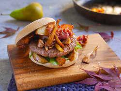 Elgburger med kantareller og sprøstekt bacon