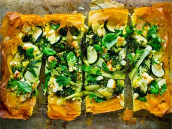 Grønnsakspai med brokkoli og fetaost