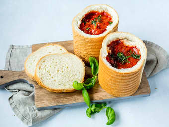 Hjemmelaget suppebrød med enkel tomatsuppe