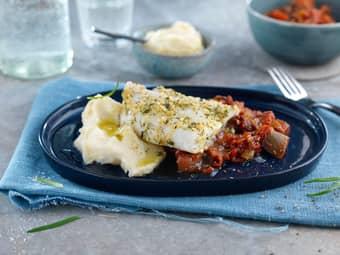 Rosmarin- og hvitløksmarinert torskefilet med ratatouille og potetmos