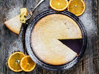 Mandelmelkake med appelsin, ricotta og hvit sjokolade