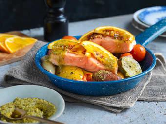 Laksefilet med ovnsbakte grønnsaker