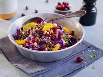 Rødkålsalat med appelsin og granateple
