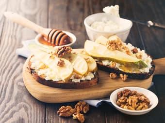 Bruschetta med pære og ricotta