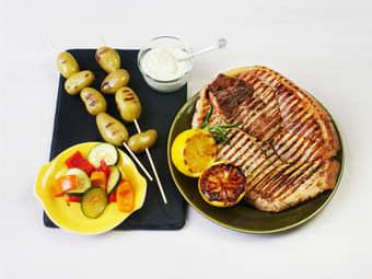 Flintstek med potetspyd og grønnsakspakke