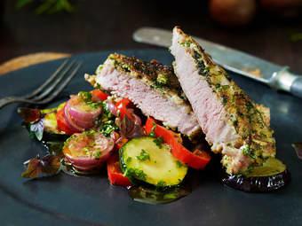 Panerte lammekoteletter med grønnsaker